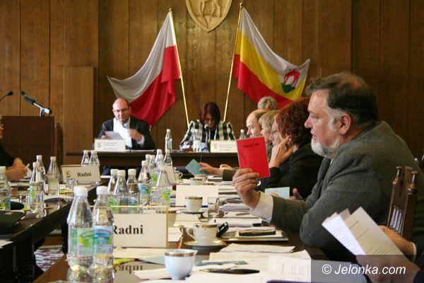Jelenia Góra: Wybory ławników zdezorganizowały pracę rady