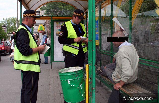 JELENIA GÓRA/KRAJ: Zastąpić straż miejską policją