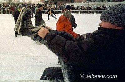 JELENIA GÓRA: W Cieplicach na lodzie