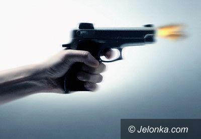 Jelenia Góra: Napad z bronią w ręku