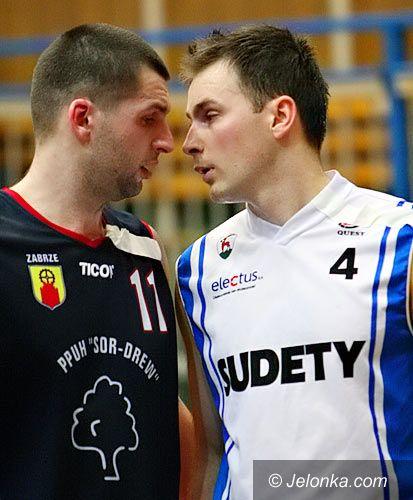 Jelenia Góra: Koszykarze Sudetów przegrywają po sportowym horrorze