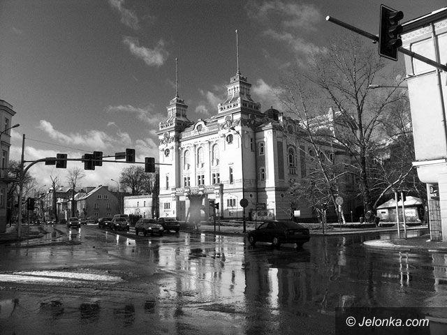 JELENIA GÓRA: Klątwa nad Teatrem Jeleniogórskim