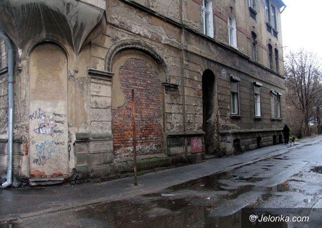 JELENIA GÓRA: Groźnie w zachodniej części śródmieścia