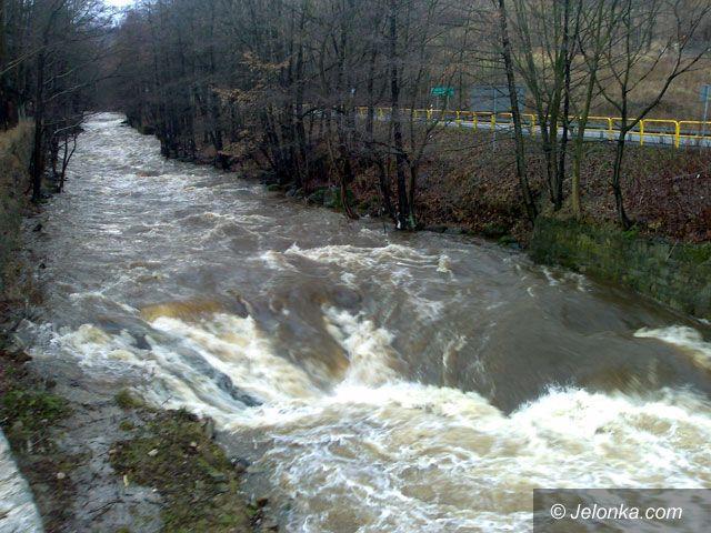 PIECHOWICE: Rzeki są wciąż groźne