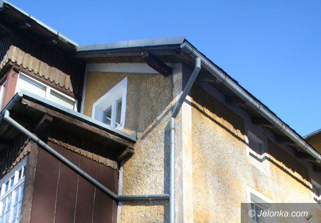 Karpacz: Pomogą zerwać trujący azbest