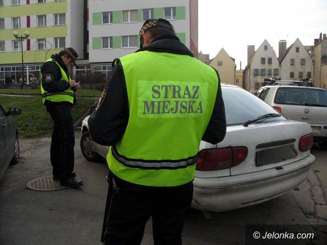 JELENIA GÓRA: Kara za złe parkowanie