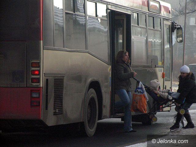 JELENIA GÓRA: Pancerz brudu na autobusach