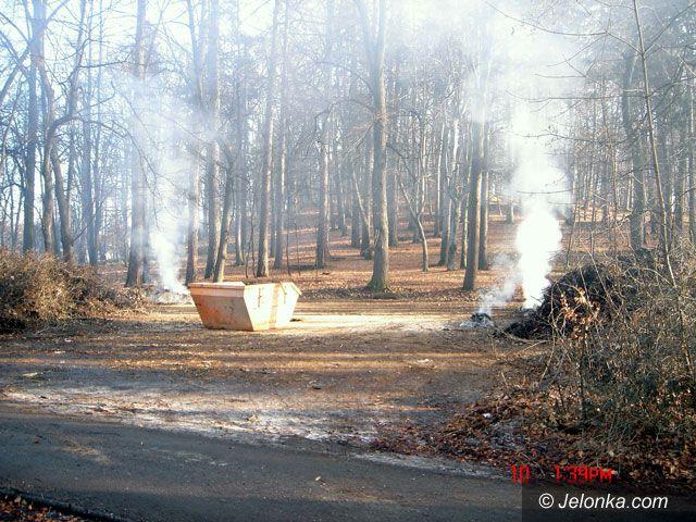 JELENIA GÓRA: Płoną ogniska na Wzgórzu Kościuszki