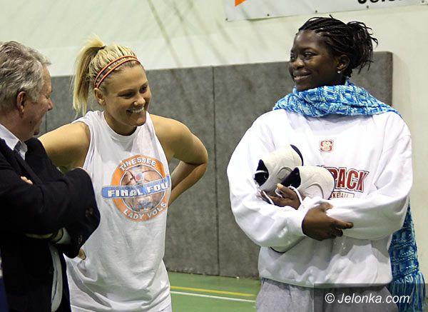 JELENIA GÓRA: Amerykanka i Kamerunka już trenują z AZS KK