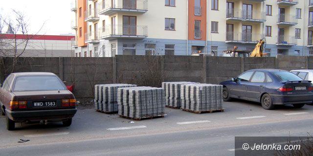 JELENIA GÓRA: Brudy na budowie udręką mieszkańców