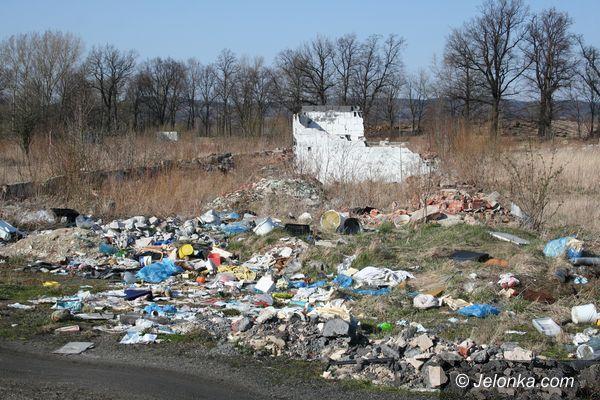JELENIA GÓRA: Śmietnisko zamiast centrum przemysłowego