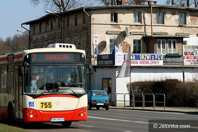 JELENIA GÓRA: Autobusy pod policyjną lupą