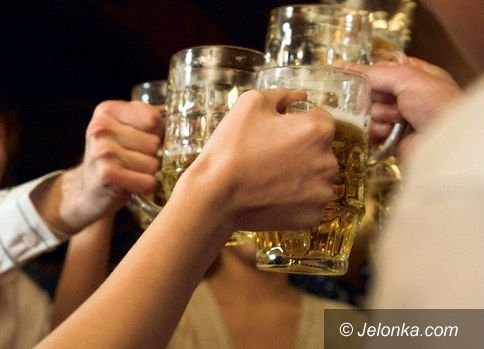 JELENIA GÓRA: Na drinka przez most do Niemców