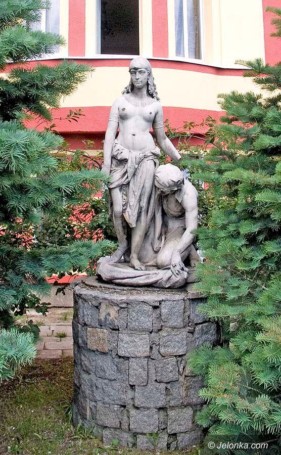 JELENIA GÓRA: Nie kradnij rzeźb!