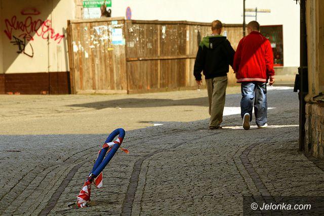 JELENIA GÓRA: W śródmieściu strach się bać
