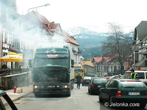 REGION JELENIOGÓRSKI: Płonął tir pod Szrenicą