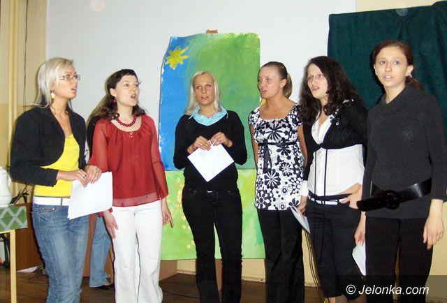 JELENIA GÓRA: Przyjaciele namalowani wierszem