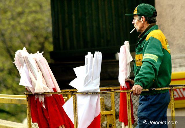 JELENIA GÓRA: Biało–czerwone święto – flaga ożyje