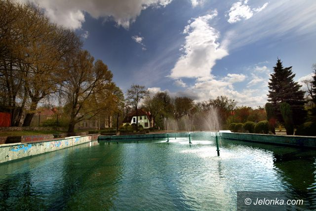 JELENIA GÓRA: Trysnęły miejskie fontanny