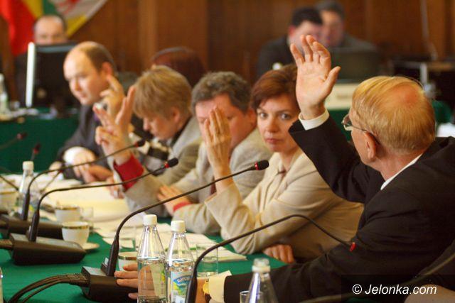 JELENIA GÓRA: Radni zdążyli z oświadczeniami