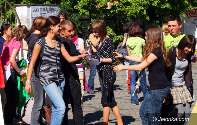 JELENIA GÓRA: Młodzi nietypowo przypomnieli o święcie zjednoczonej Europy