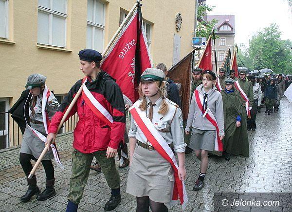 Region Jeleniogórski: Odeszli na wieczną wartę – tłumy żegnały Marka i Maksa