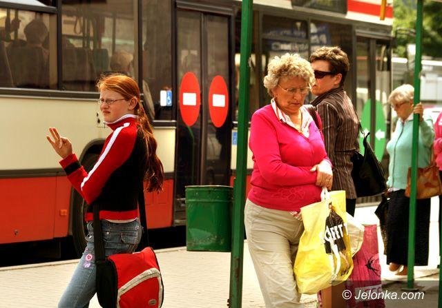 JELENIA GÓRA: Zamiast podwyżek cen w MZK, tańsze przejazdy dla młodzieży