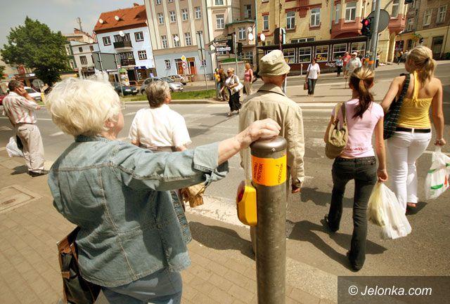 JELENIA GÓRA: Czerwone światło nie dla pieszych