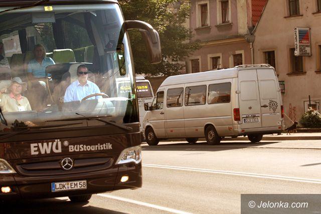 JELENIA GÓRA: Turyści zapętleni w autobusach