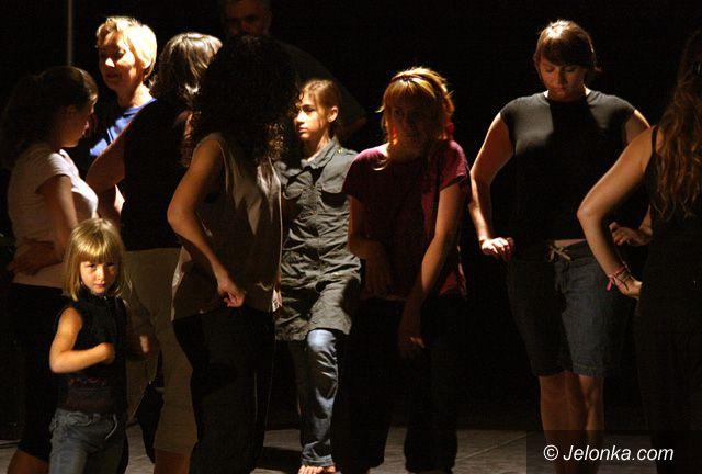 JELENIA GÓRA: Łamanie uprzedzeń na scenie