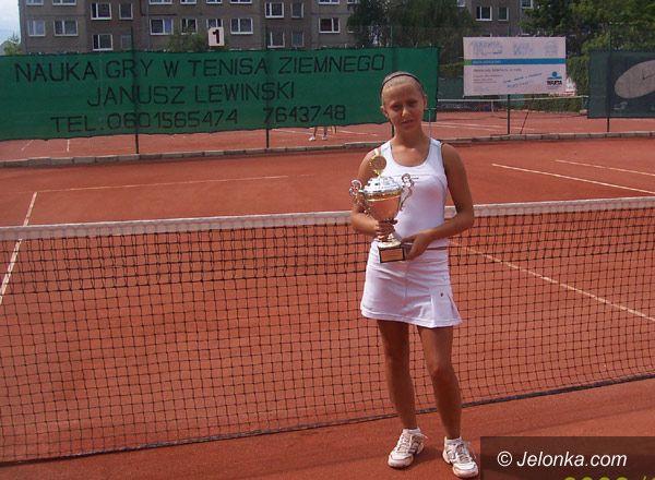 Jelenia Góra: Złota Natalia powalczy o tenisowe mistrzostwo młodziczek w Sopocie