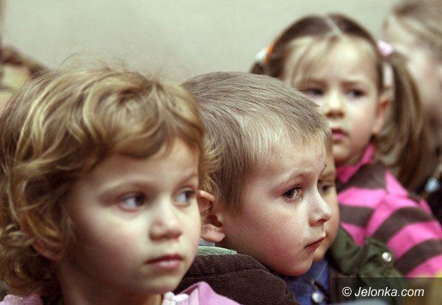 JELENIA GÓRA: Ratujcie maluchy przed szkołą