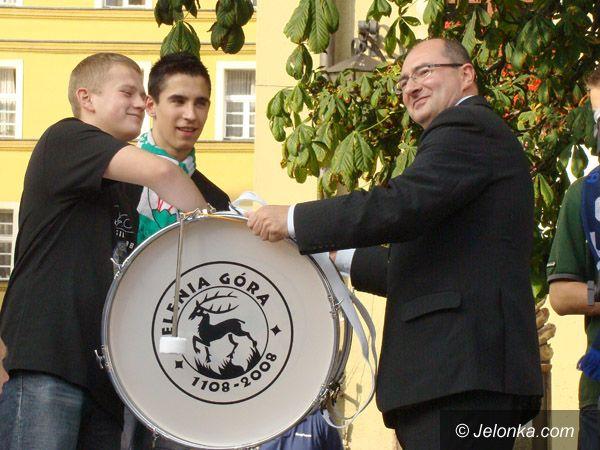 Jelenia Góra - Plac Ratuszowy: Prezentacja jeleniogórskich drużyn na Placu Ratuszowym