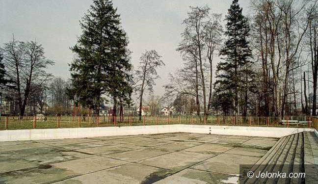 JELENIA GÓRA: O przyszłości basenu pod Chojnikiem