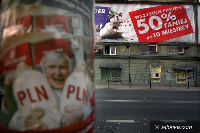 JELENIA GÓRA: JCK opakowane w reklamy
