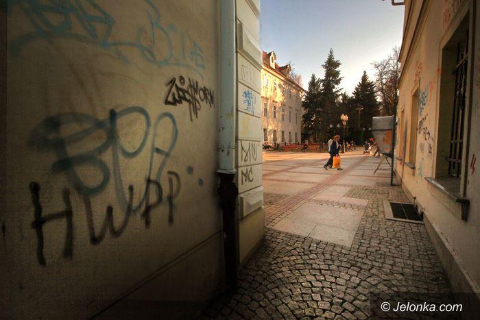 JELENIA GÓRA: Straż miejska nie wypuściła wandali