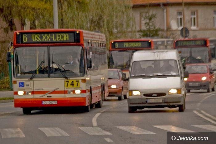 """JELENIA GÓRA: Miejski Zakład Komunikacyjny """"pojeździ"""" jeszcze dwa lata"""