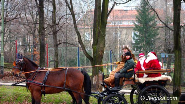 Kowary: Co krok Mikołaj nad Jedlicą
