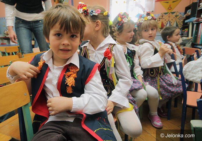 JELENIA GÓRA/ KRAJ: Więcej stresów dla sześciolatków