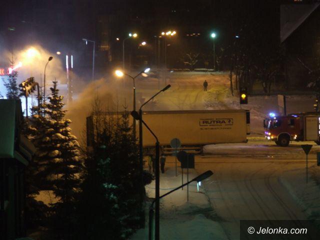 JELENIA GÓRA: Wadliwe hamulce przyczyną pożaru tira