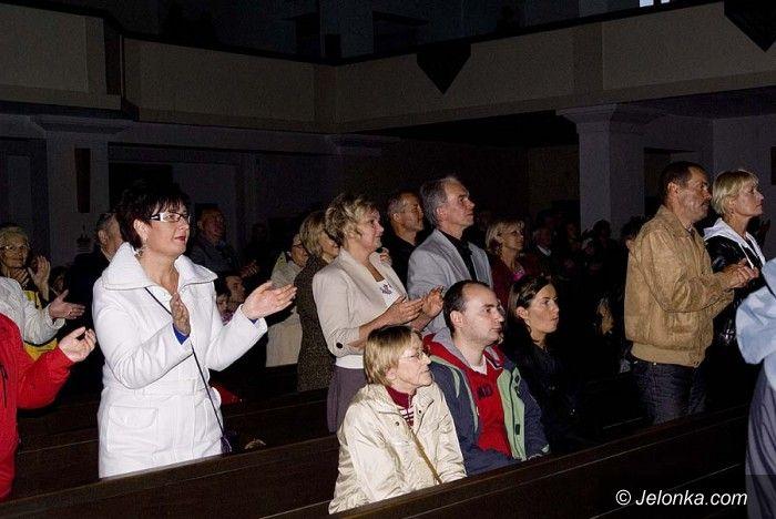 JELENIA GÓRA: Żywiołowo w rytmie gospel u Matki Boskiej