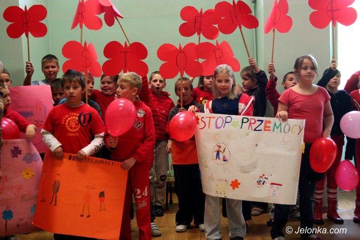 JELENIA GÓRA: Precz z przemocą w szkołach