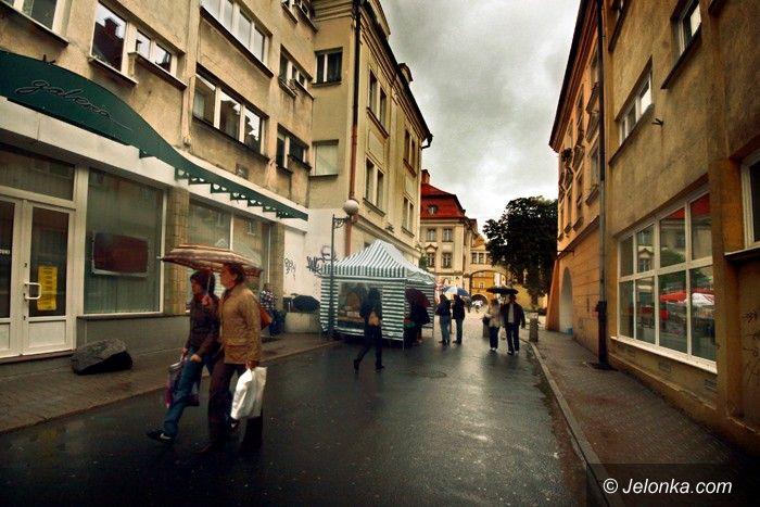 JELENIA GÓRA: Miasto musi żyć (straganami)