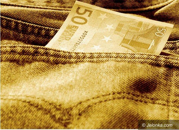 JELENIA GÓRA/ KRAJ: Pieniądze kluczem do wiedzy