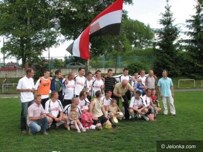 Jelenia Góra/Dolny Śląsk: Szczęśliwe pożegnanie z A–klasą
