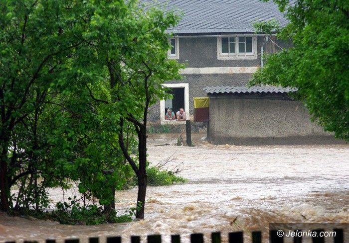 JELENIA GÓRA: Meteorolodzy straszą burzami i ulewą