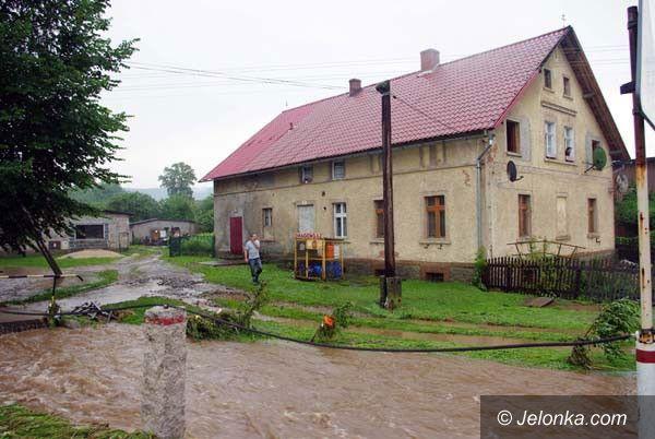 REGION: Walczą o pieniądze na usuwanie skutków powodzi