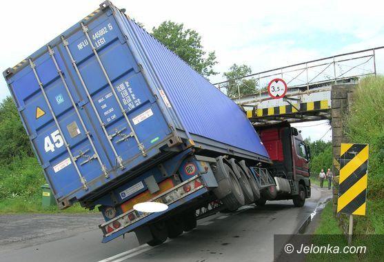 REGION: Przejazd nie dla wysokich pojazdów