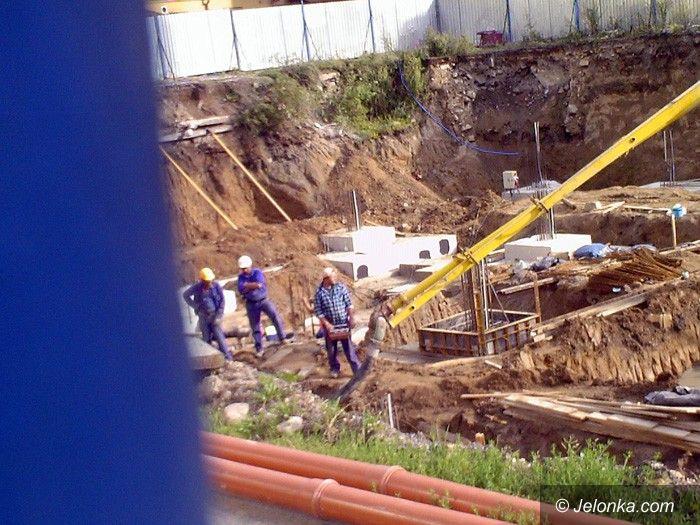 JELENIA GÓRA: Podglądanie placu budowy