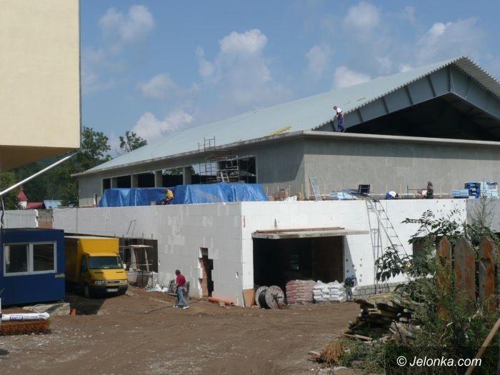 REGION: Uczniowie poćwiczą w hali